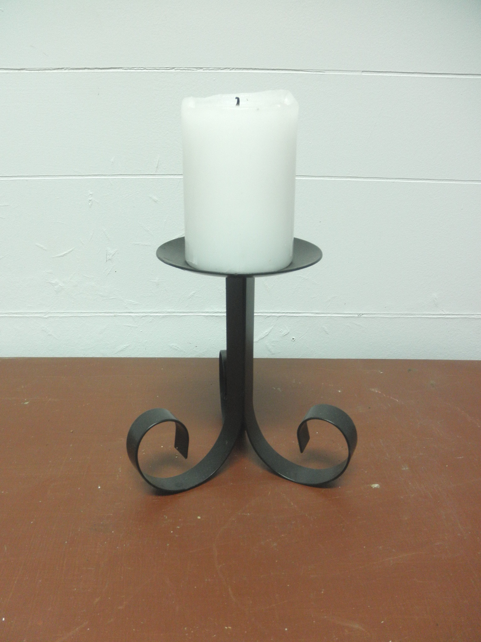 Wrought-iron-candle-holder_Easy-Resize.com.jpg