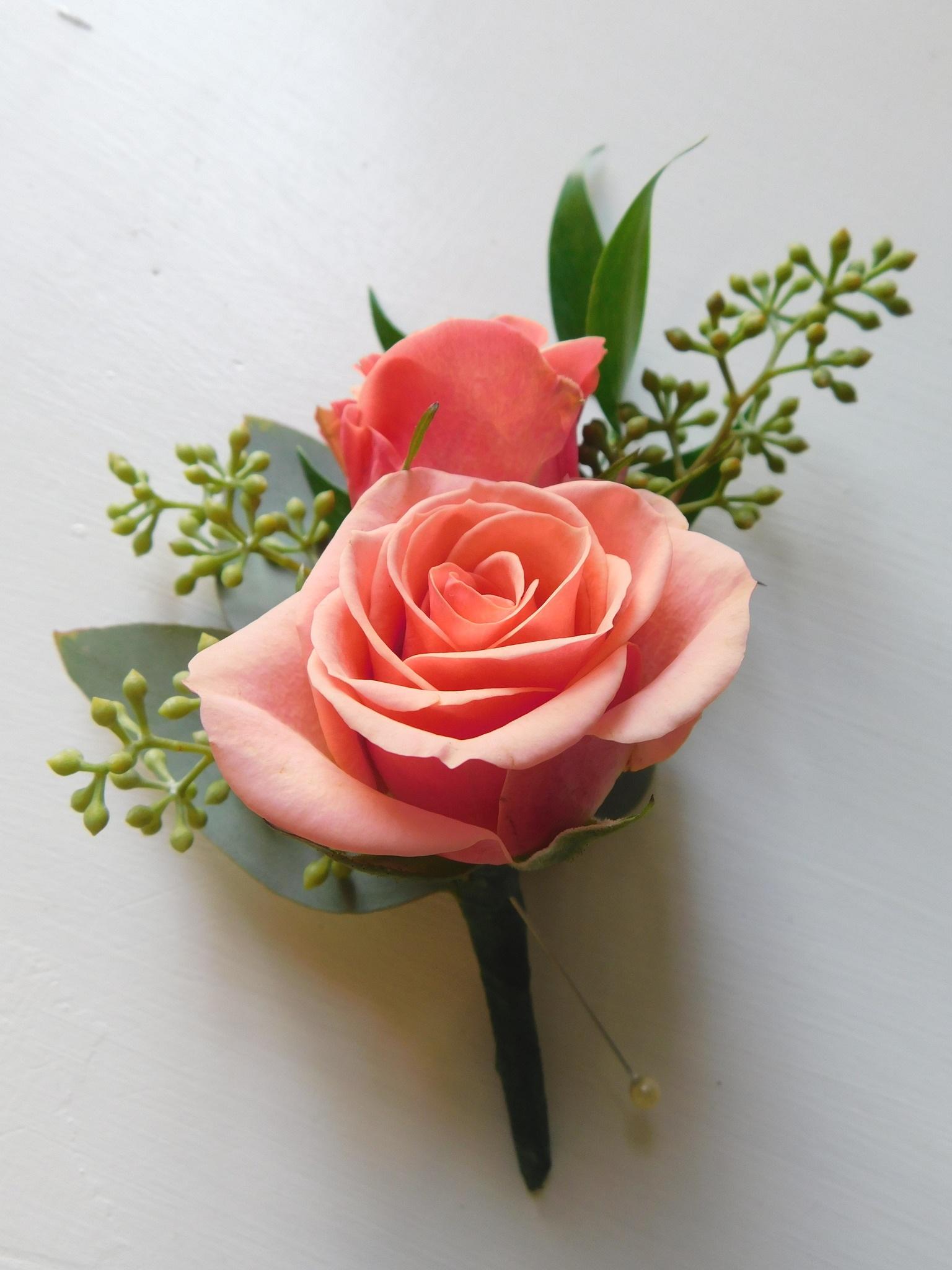 Boutonniere-mini-rose.jpg