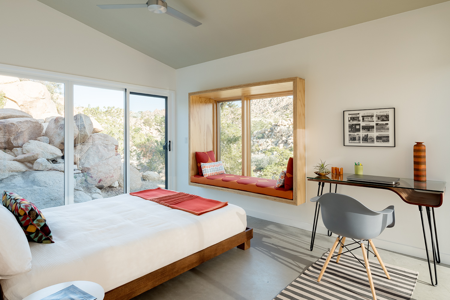 Yucca Valley House 10.jpg