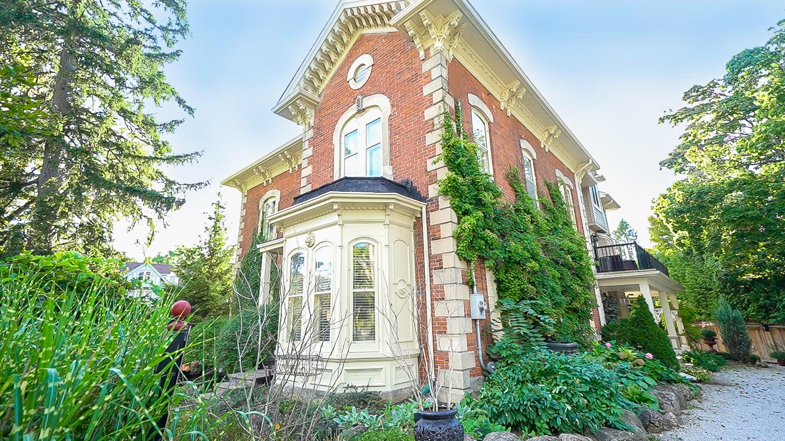 102 Eramosa Road Guelph Norfolk Guest House For Sale by Adam Stewart Realtor Chestnut Park West.jpg