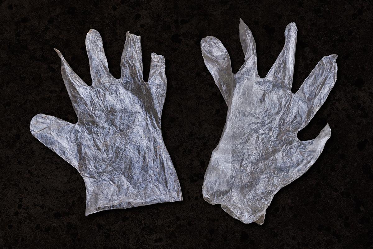2plastic_gloves_1200pxl.jpg