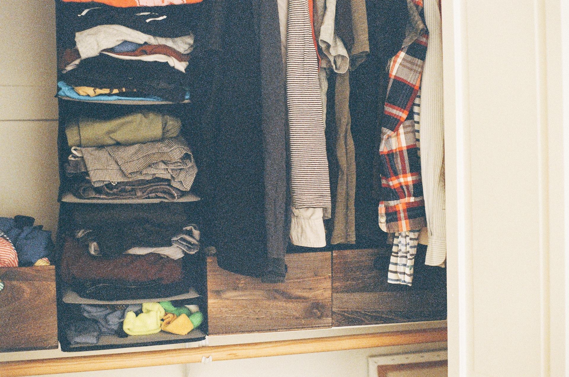 picture of disorganized closet