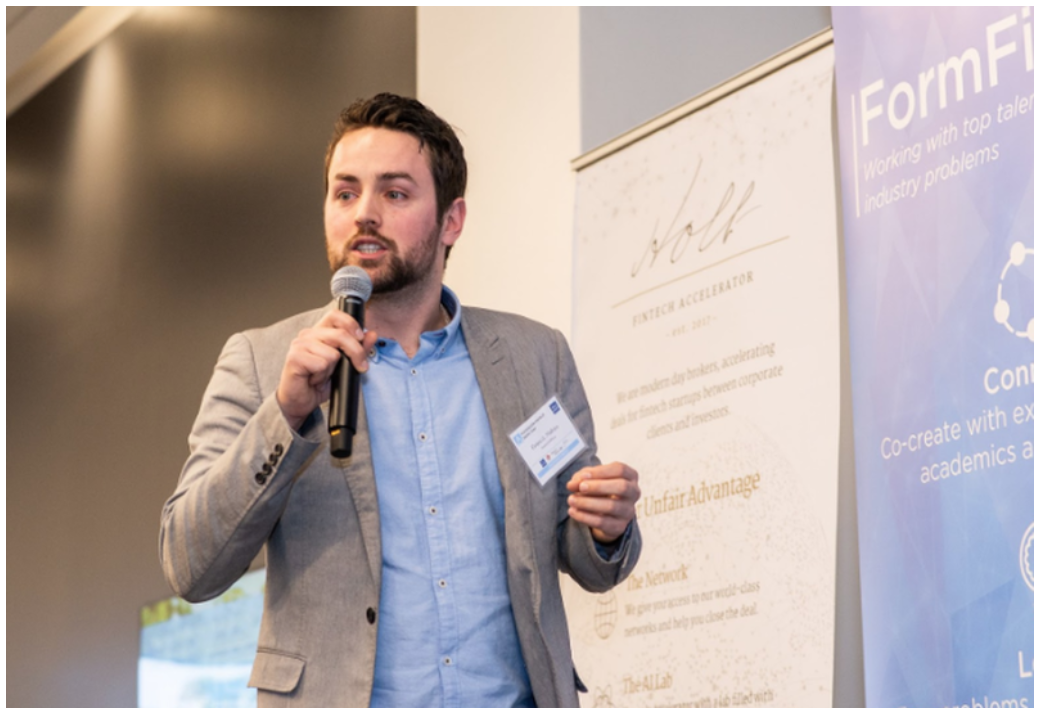 Francis Maheu (founder at FinanceToiMieux) pitching at FormFintech's Ascension Demo-Day