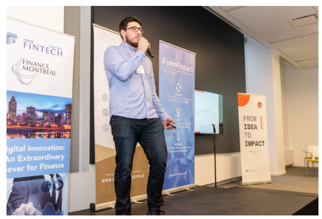 Jonathan Guymont (Co-founder at Deeply) pitching at the FormFintech's Ascension Demo-Day