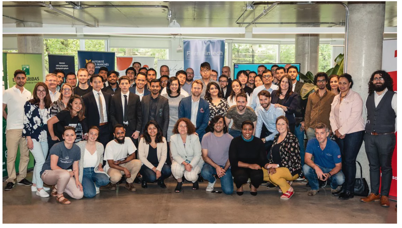 Participants, experts, mentors and animators at the second FormFintech Formathon (May 2018)