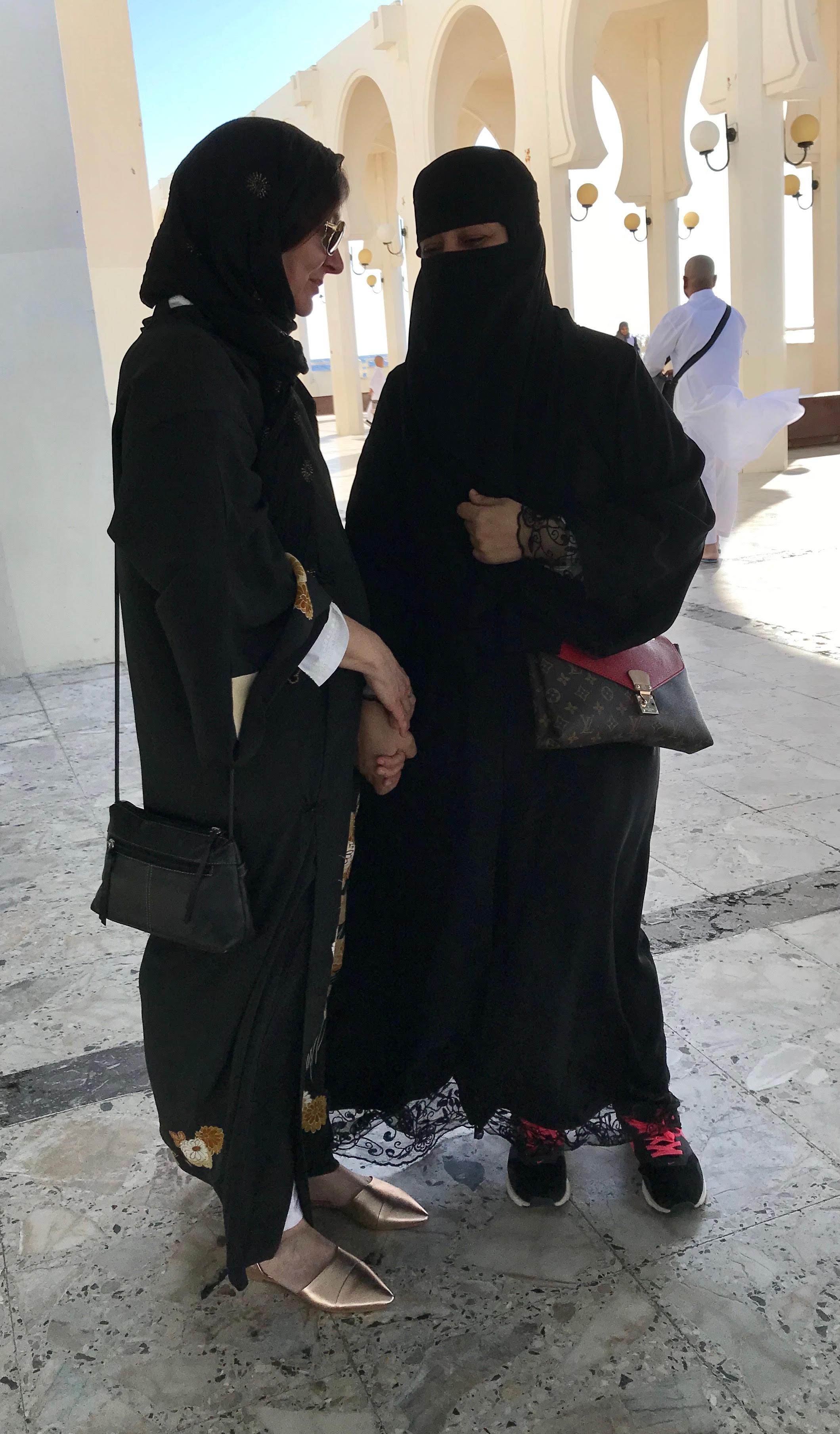 MAKING FRIENDS IN JEDDAH, SAUDI ARABIA Photo by TK Feissner   (TOP: ISLAND MOSQUE, JEDDAH, SAUDI ARABIA Photo by Lisa Feissner)