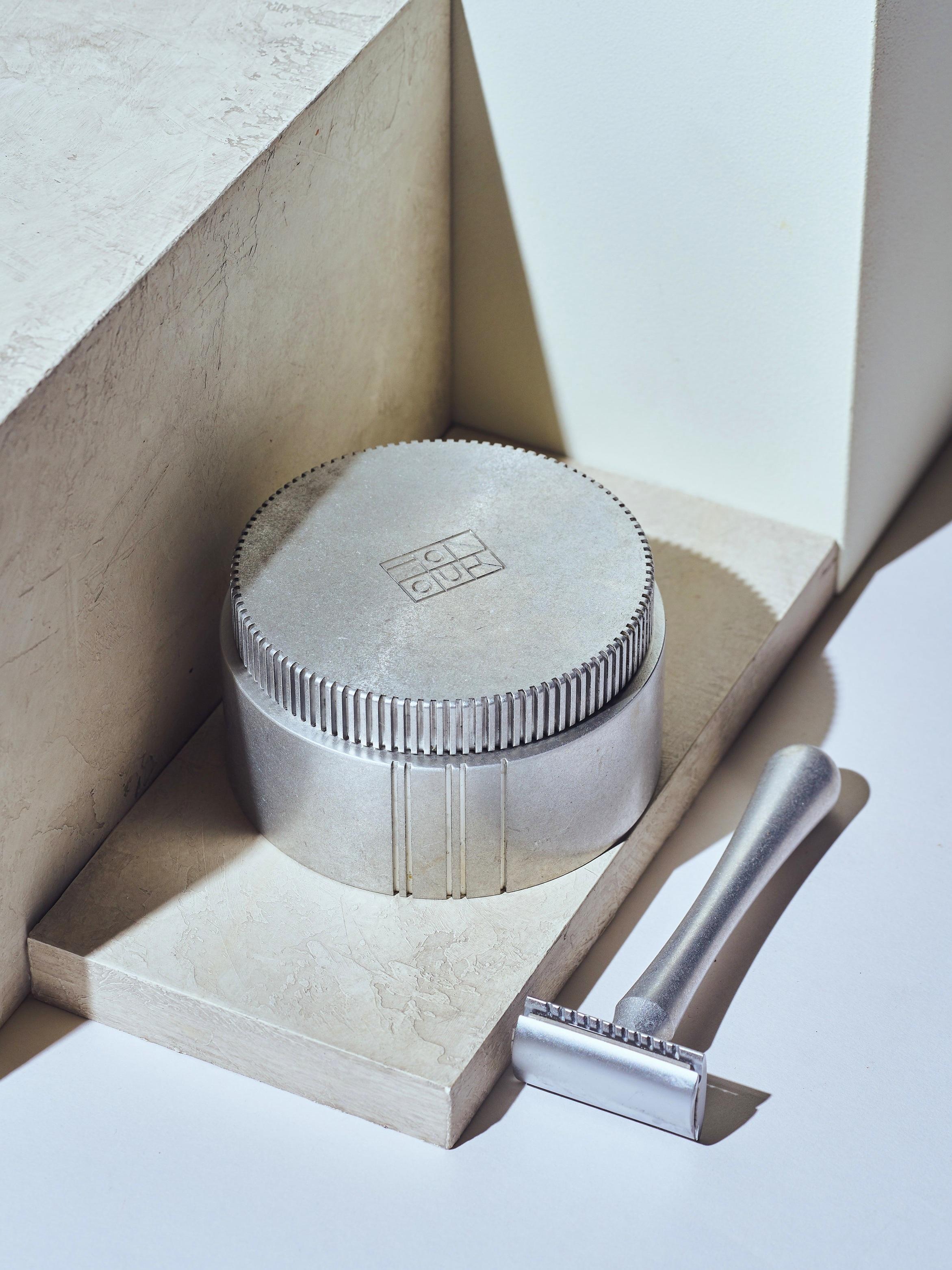 Honours Essentials Double Edge Safety Razor + Shave Cream -
