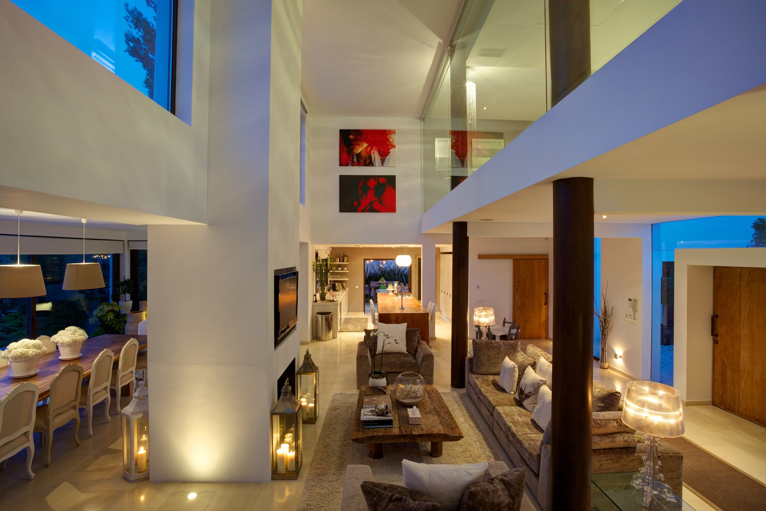 Living area by night .jpg