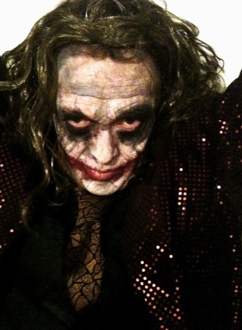 """HALLOWEEN MAKEUP, INSPIRED BY HEATH LEDGER'S VERSION OF """"THE JOKER"""" . PHOTO BY Georgia Spyra"""