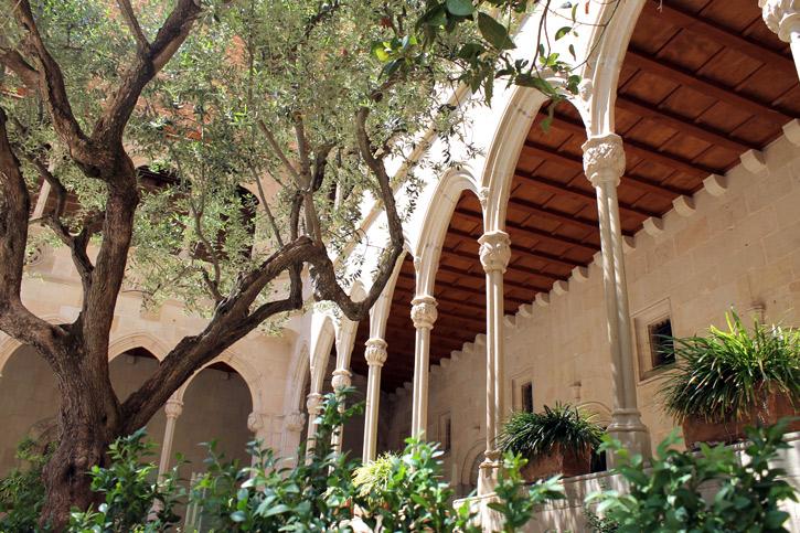 Monastery-arches1.jpg