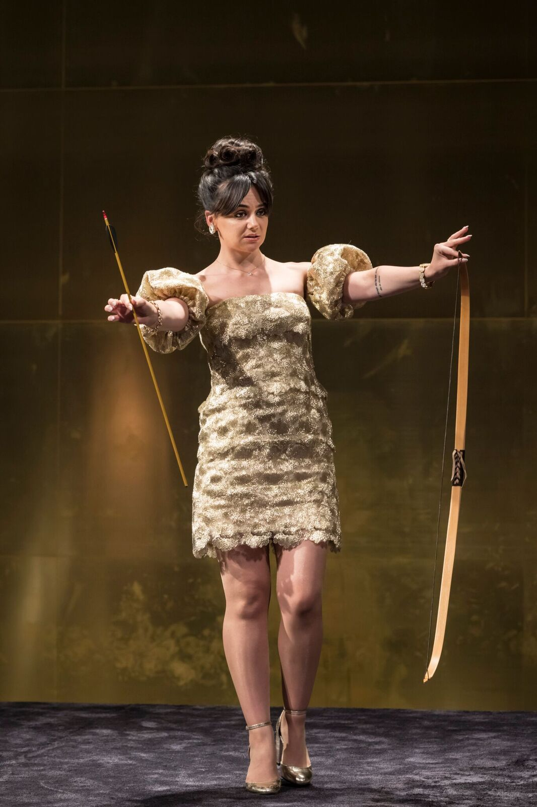 Hayley-Squires-Mae-Cat-on-a-Hot-Tin-Roof-Photo-credit-Johan-Persson.jpg