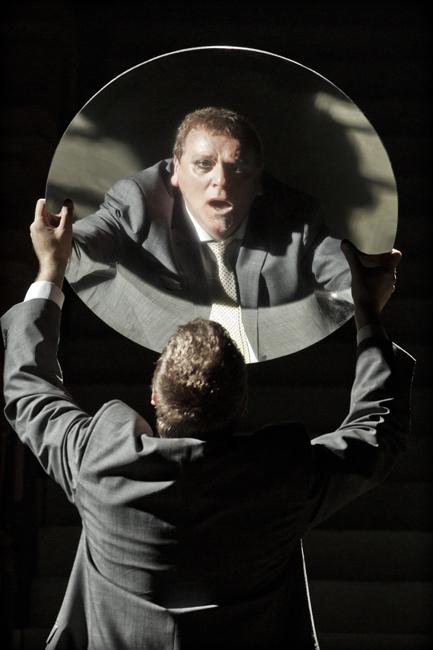 Caligula-Peter-Coleman-Wright-5-c-Johan-Persson.jpg
