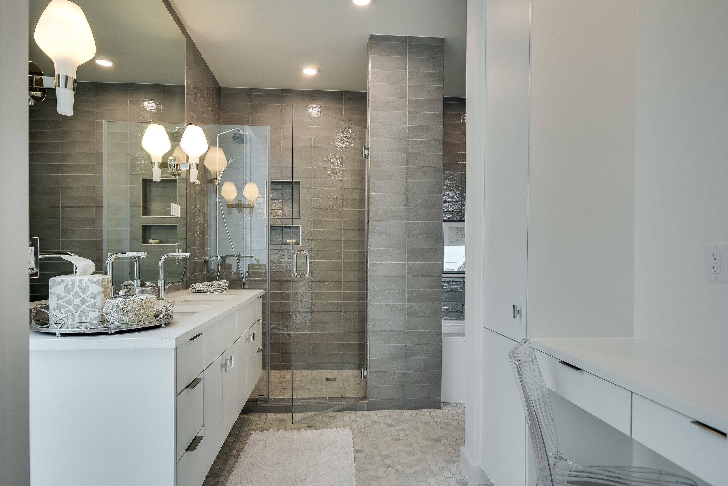 027_Master Bathroom .jpg