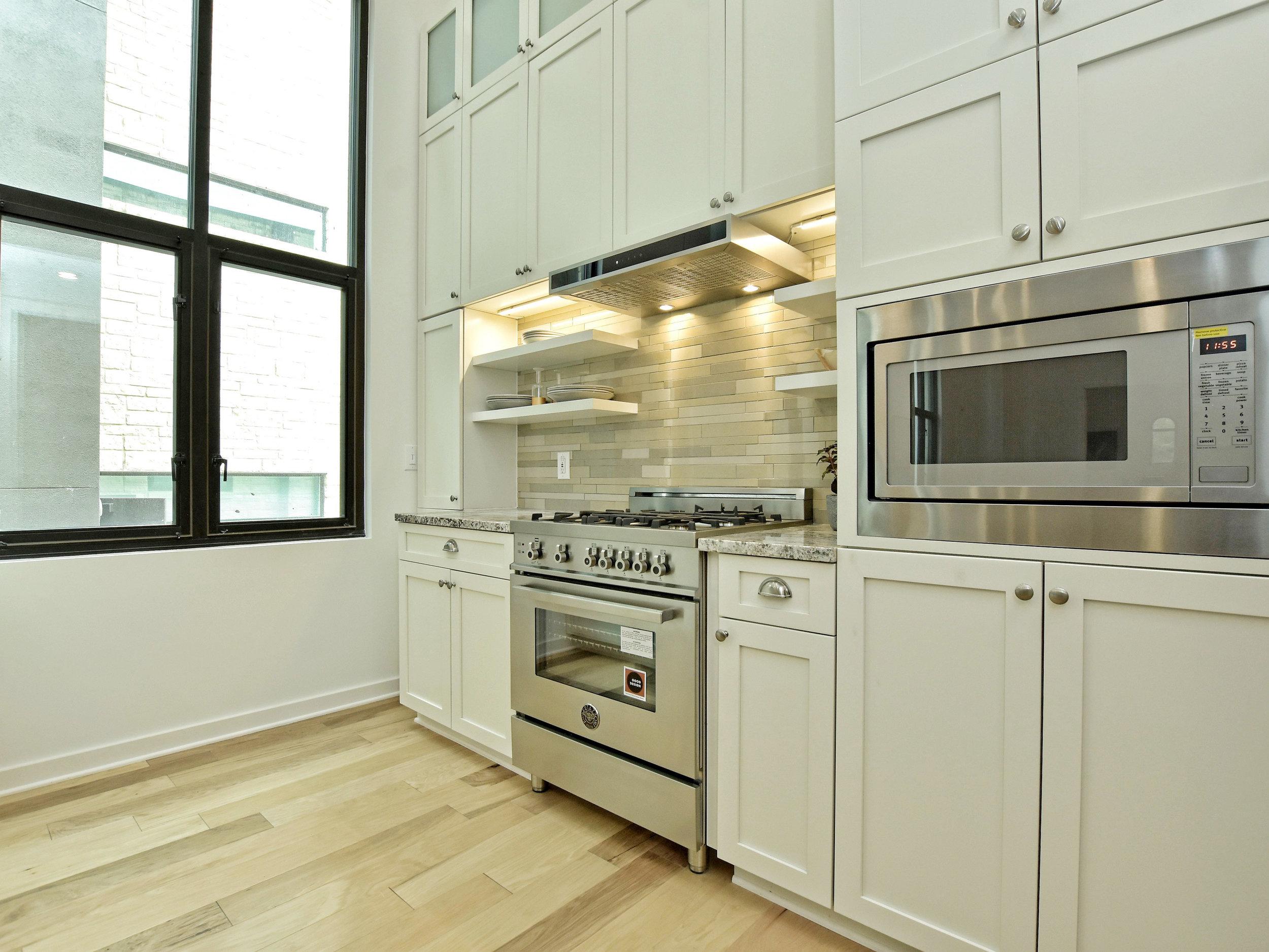 016_Kitchen.jpg