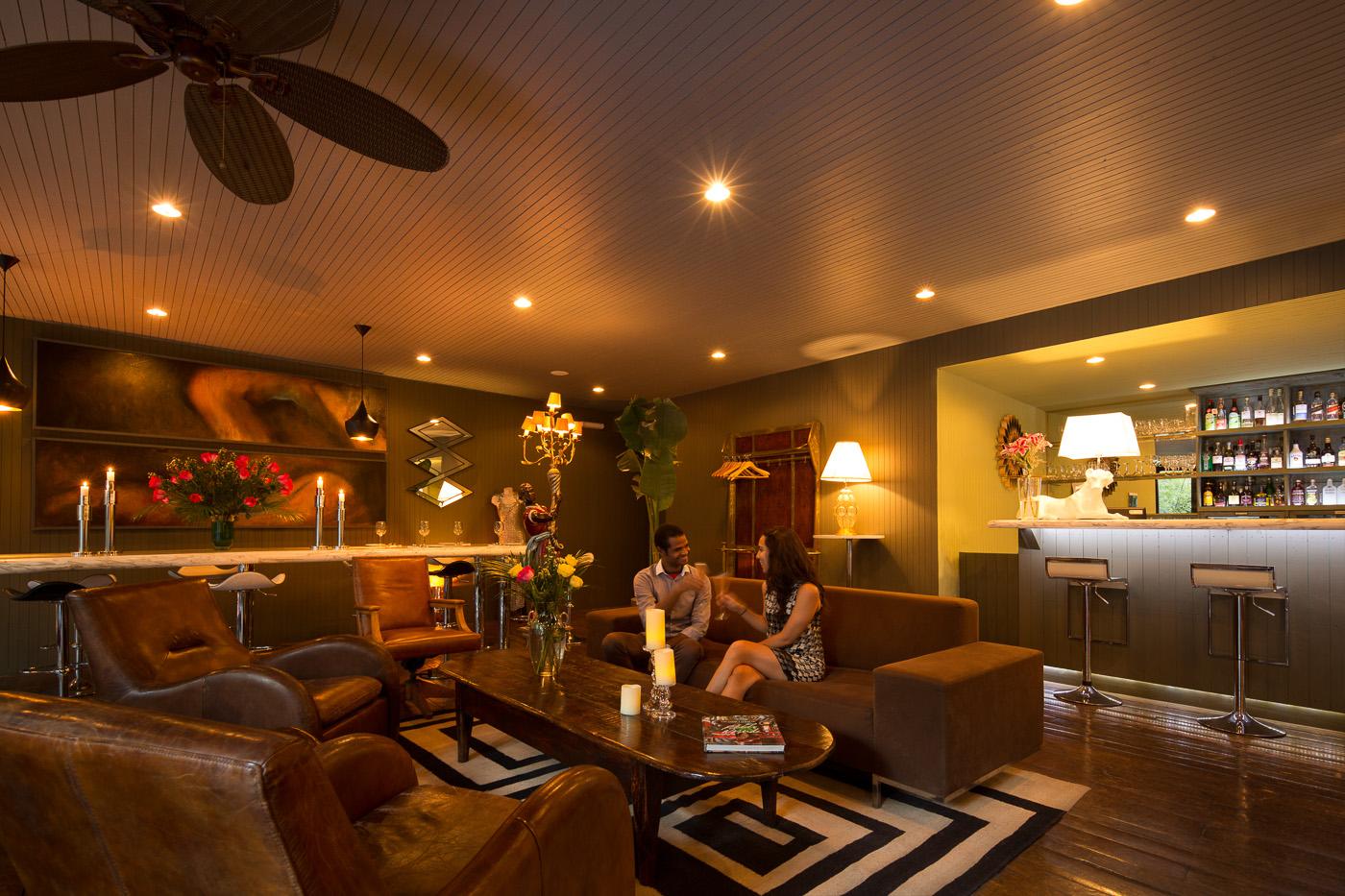 Piano Lounge -