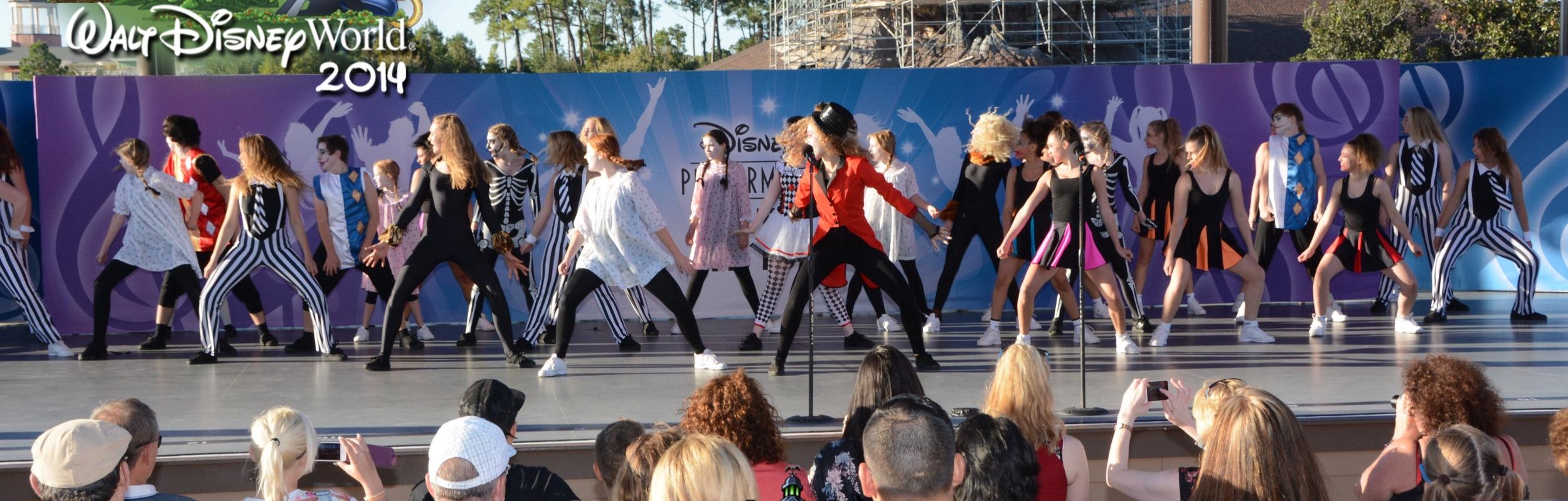 Artemis+performing+at+Walt+Disney+World+2014