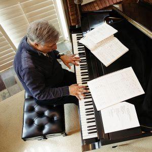 dan yessian playing burt bacharach steinway piano