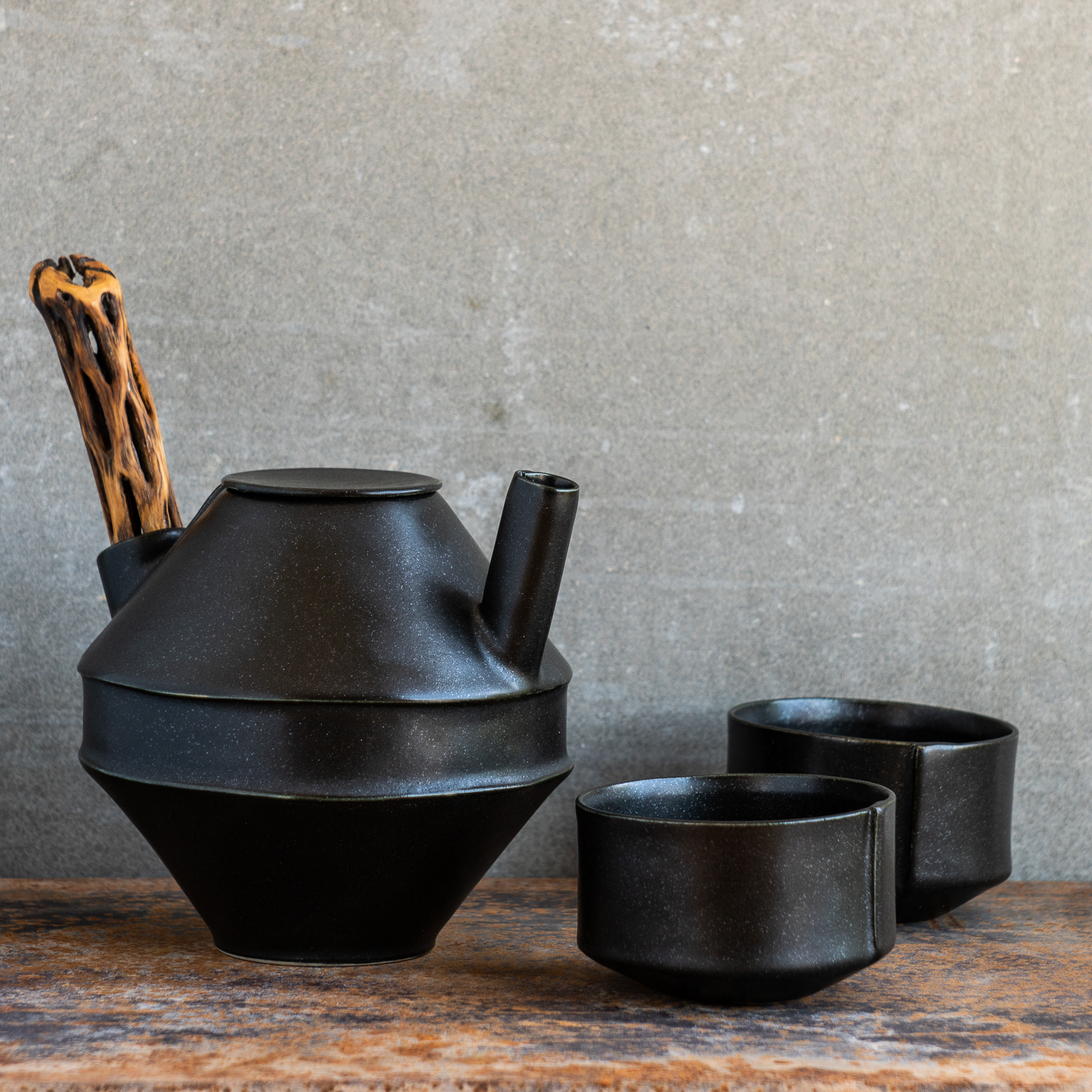 ifpottery_victory_teapot-1.jpg