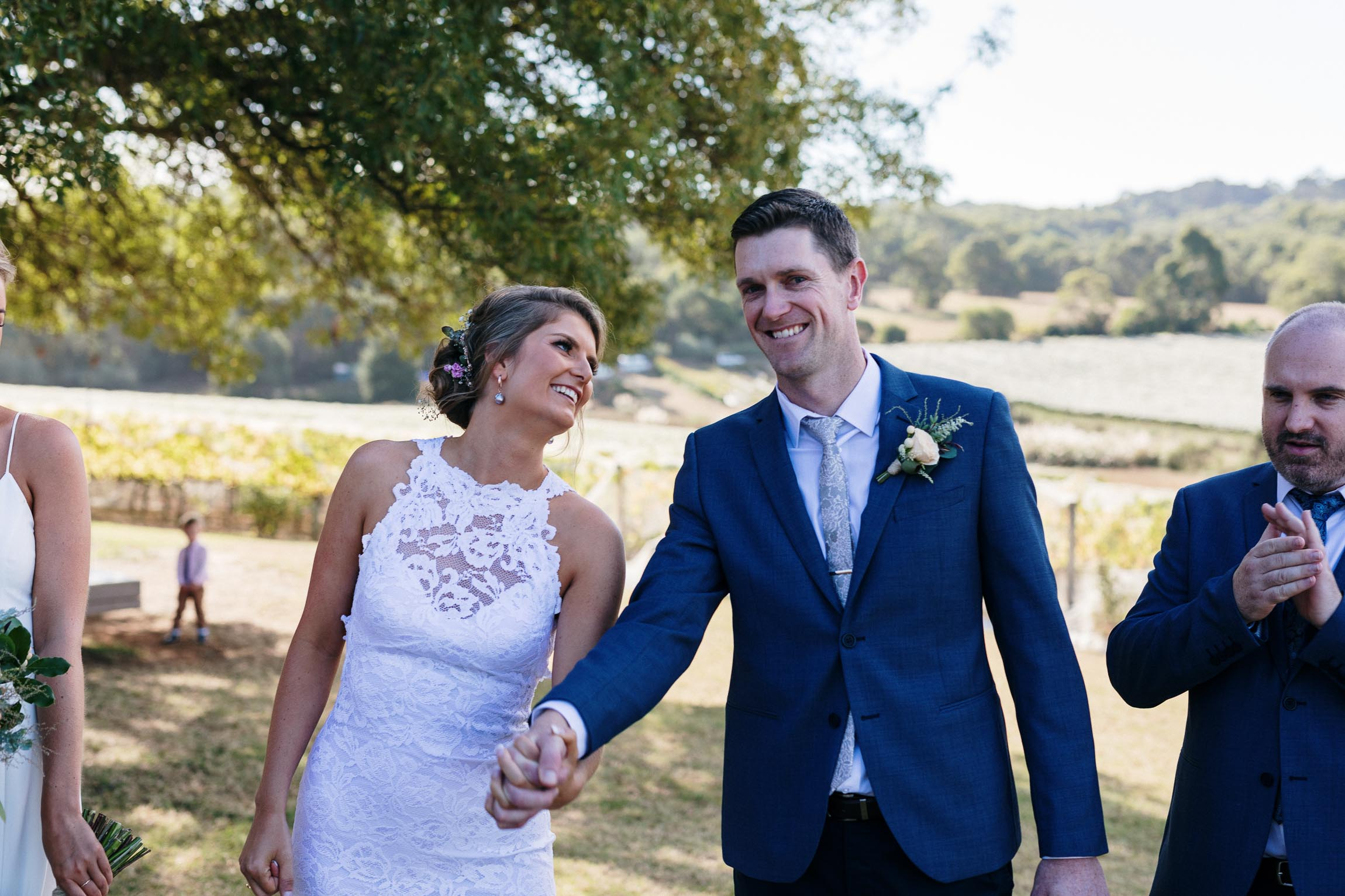 lachlan-scallion-melbourne-victoria-austrlia-mornington-peninsula-candid-relaxed-natural-chilled-wedding-photographyglasshaus-richmond-422.jpg
