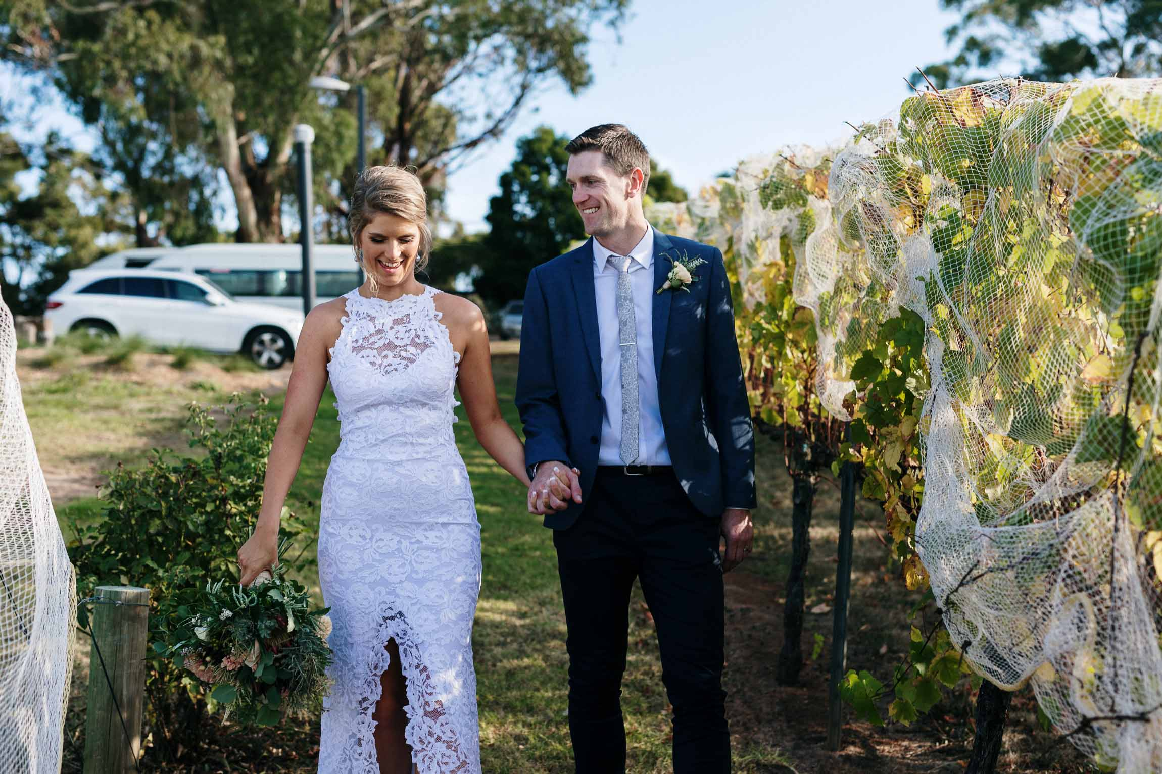 lachlan-scallion-melbourne-victoria-austrlia-mornington-peninsula-candid-relaxed-natural-chilled-wedding-photographyglasshaus-richmond-522.jpg