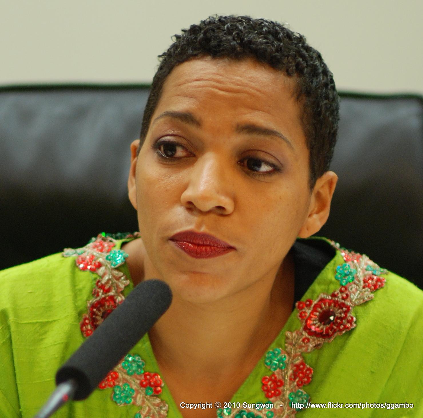 Dr Ndidi Nnoli-Edozien