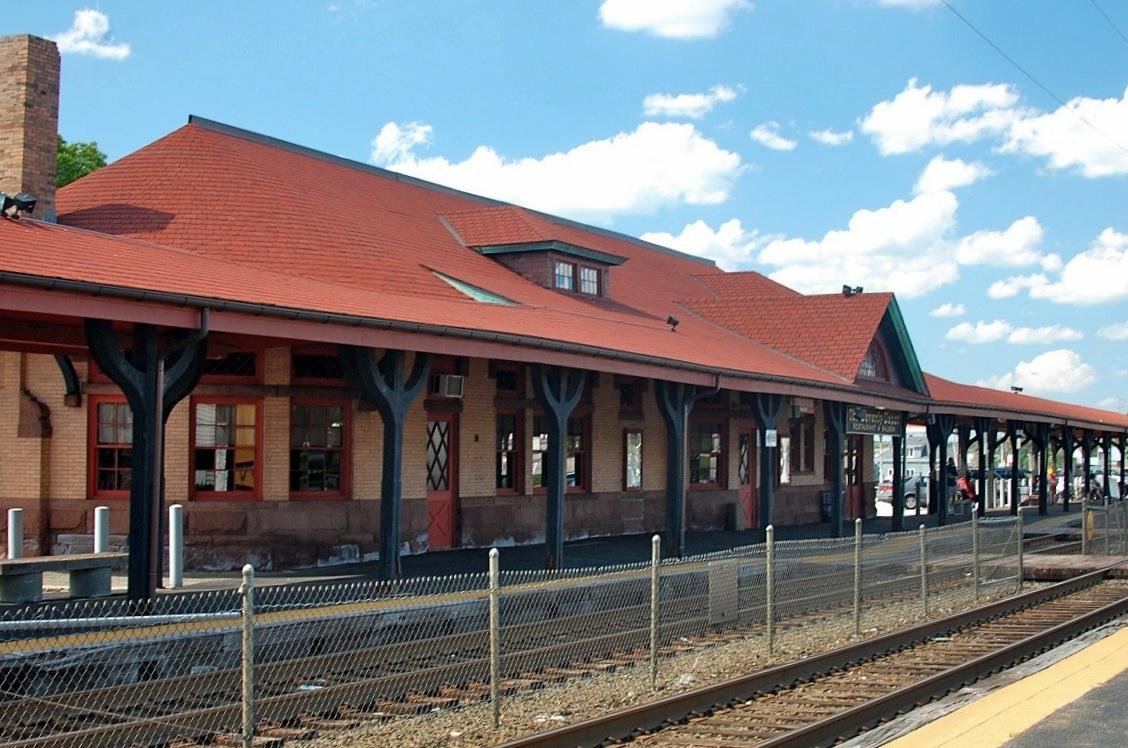 Beverly_Depot_(MBTA_station).jpg