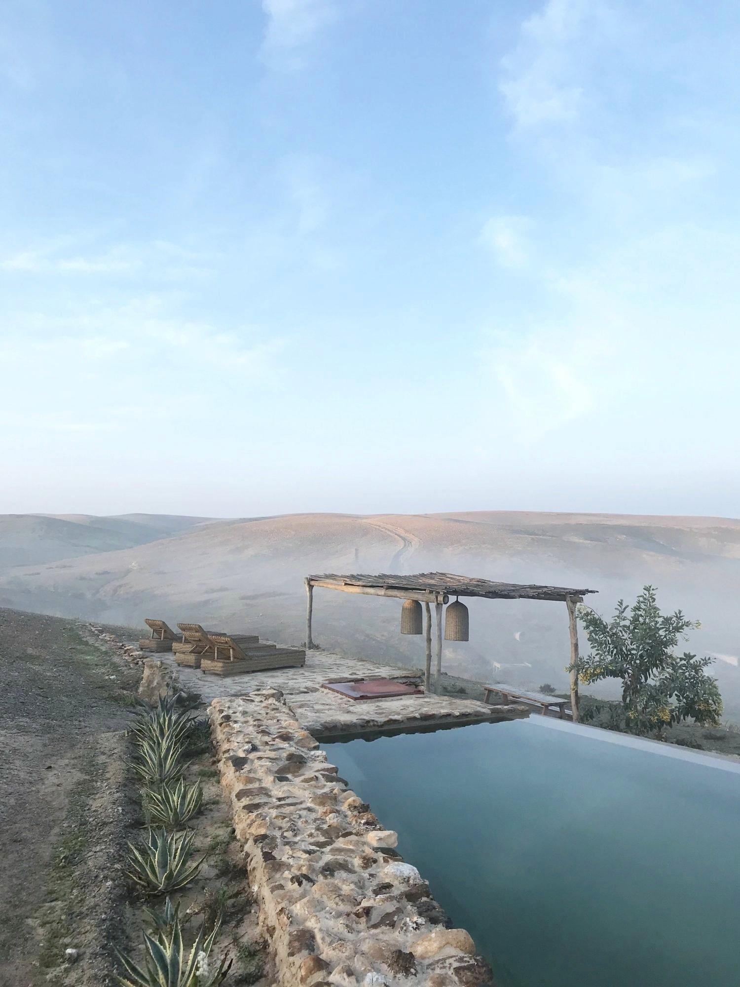 Terre-des-Etoiles-pool-e1556985493952.jpg