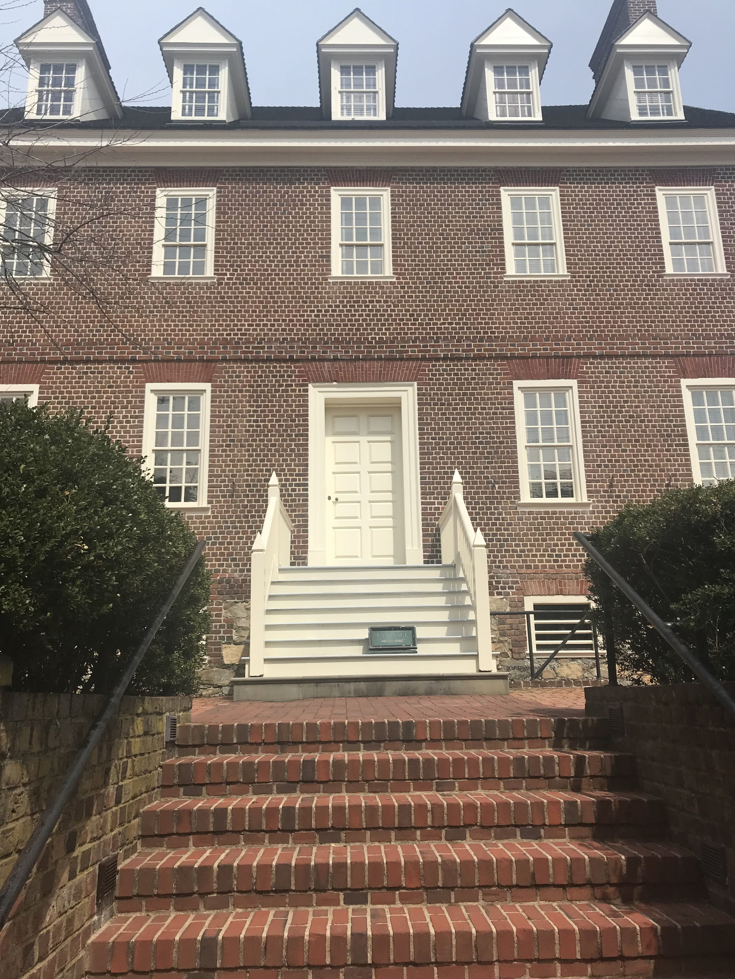 Top Instagram Spots in Annapolis | Doctor Anni Blog | William Paca House Garden
