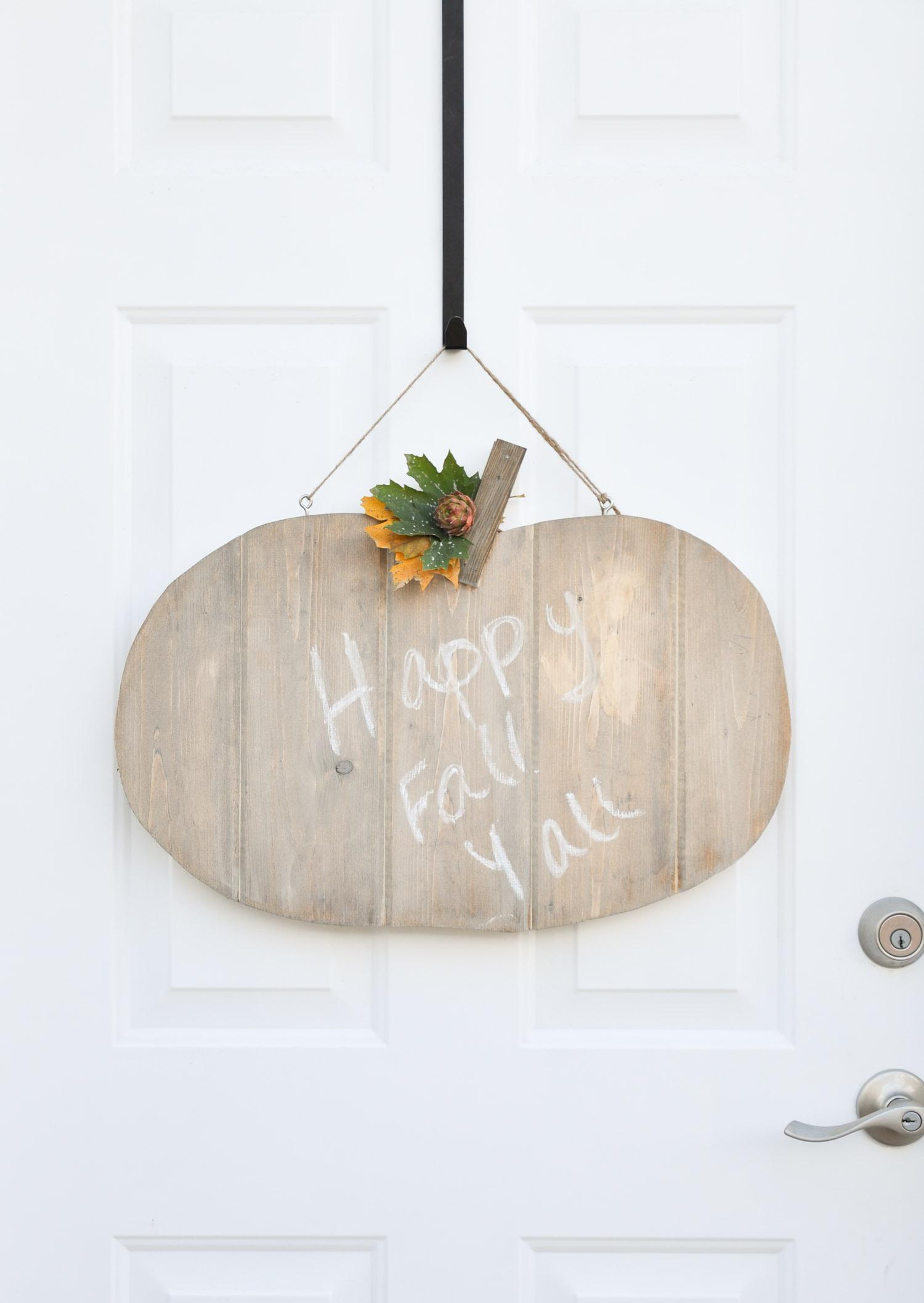 rustic-pumpkin-door-hanger.jpg
