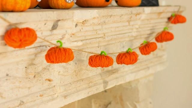 yarn-pumpkin-garland.jpg