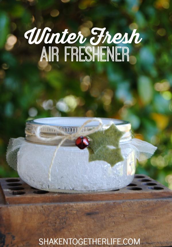 air-freshener-mason-jar-christmas-gift-diy.png