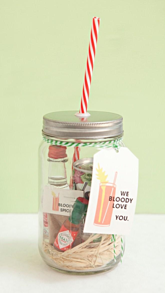 bloody-mary-mason-jar-christmas-gift-diy.jpg