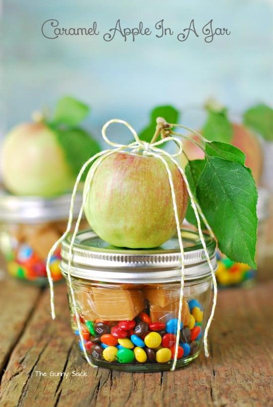 caramel-apple-mason-jar-christmas-gift-diy.jpg