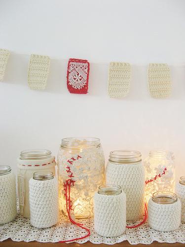 crocheted-mason-jar-christmas-gift-diy.jpg