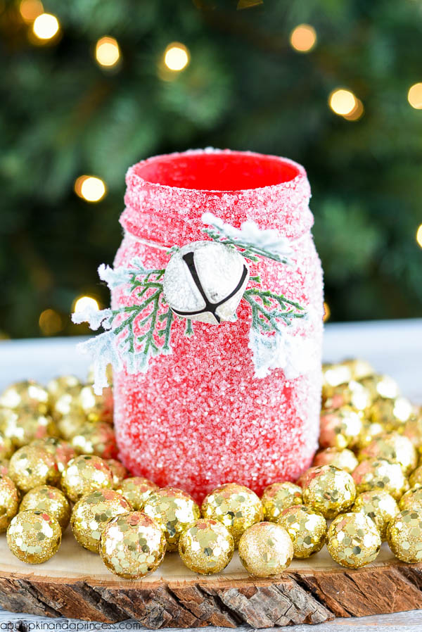 glitter-luminary-mason-jar-christmas-gift-diy.jpg
