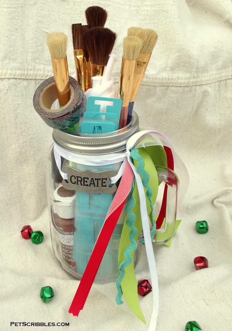 painting-mason-jar-christmas-gift-diy.jpg