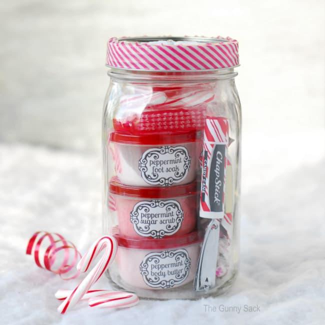 peppermint-pampering-mason-jar-christmas-gift-diy.jpg