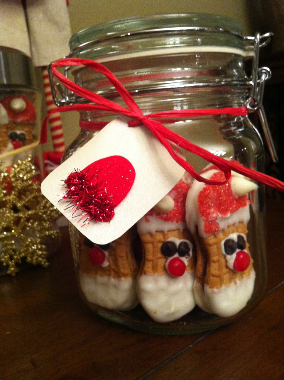 santa-cookies-mason-jar-christmas-gift-diy.jpg