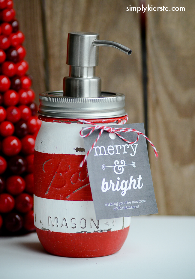 soap-dispenser-mason-jar-christmas-gift-diy.png