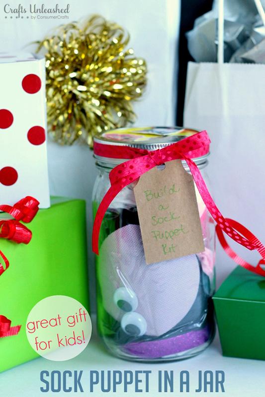 sock-puppet-mason-jar-christmas-gift-diy.jpg