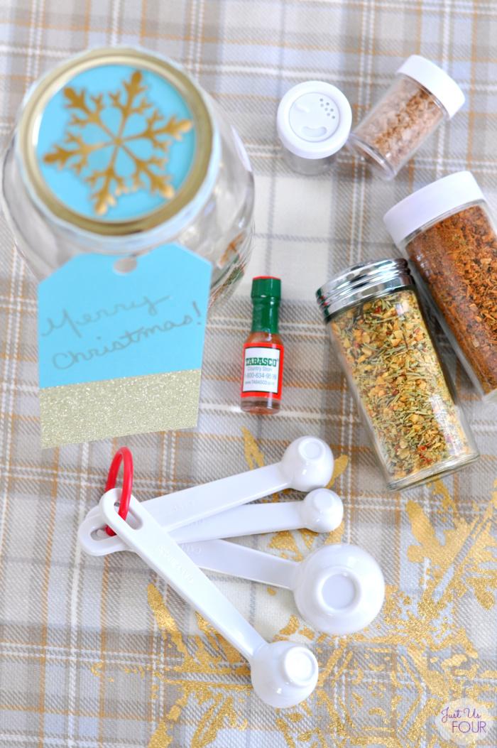 spice-mixes-mason-jar-christmas-gift-diy.jpg