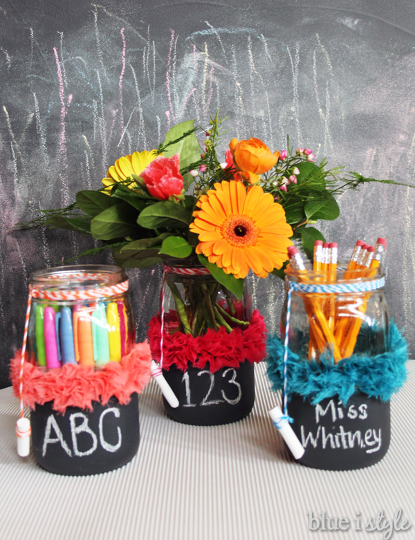 teacher-chalkboard-mason-jar-christmas-gift-diy.jpg