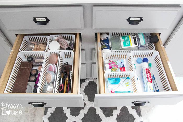 bathroom-drawer-dollar-store-organization.jpg