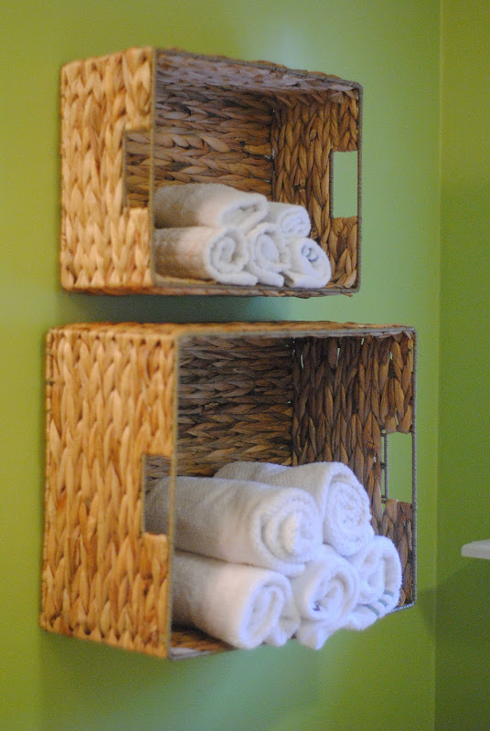 towel-storage-baskets-dollar-store-organization.jpg