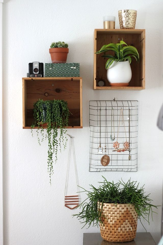 wire-file-basket-necklace-dollar-store-organization.jpg
