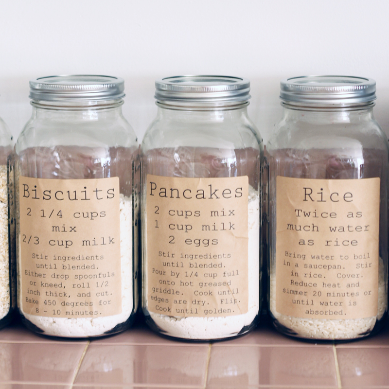 jar-labels-pantry-organization.jpg