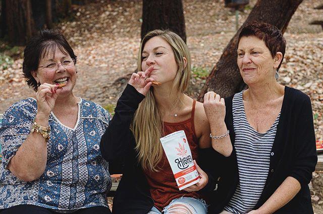 Who says having a case of the Mondaze is a bad thing? 🍪 📷: @ashleyplumlee . . . . . #glutenfree #santacruz #edibles #womeninweed #ediblecookies #santacruzweed #thccookies #santacruzstoner #highsociety #831 #cookiemonster #glutenfreeedibles #hybrid #activestoner #goodvibesonly #womenowned #femaleowned