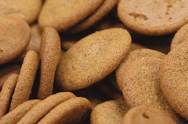 Who's ready for some gluten free Cinnamon Crisp Cookies?!! 🍪 📷: @ashleyplumlee . . . . . #glutenfree #santacruz #capitola #soquel #edibles #gfedibles #ediblecookies #santacruzweed #ganja #thccookies #santacruzstoner #highsociety #831 #cookiemonster #10mg #cannabiscommunity #sativa #hybrid #activestoner #puffpuffpass #medicalmarijuana #goodvibesonly #santacruzcommunity #cbd #thc #aptos