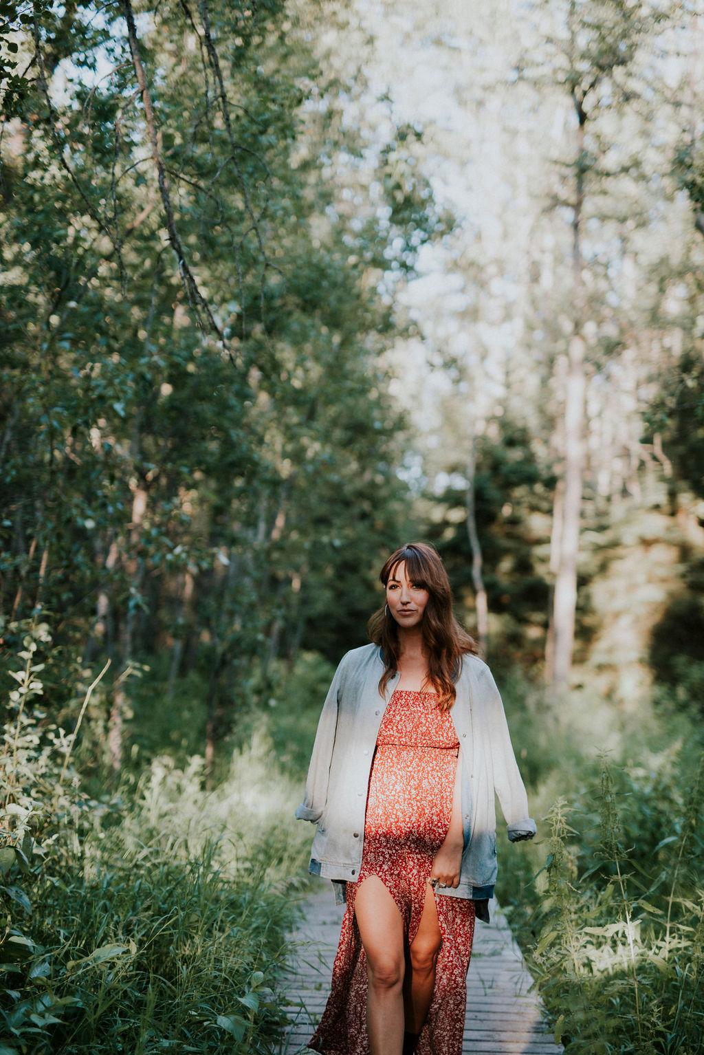 karmen-meyer-photography-outdoor-boudoir-gull-lake-edmonton-21836.JPG