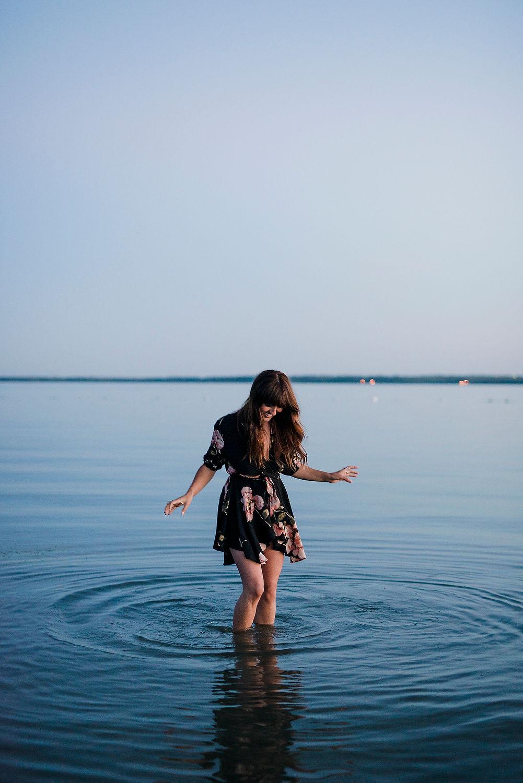karmen-meyer-photography-outdoor-boudoir-gull-lake-edmonton-21867.JPG